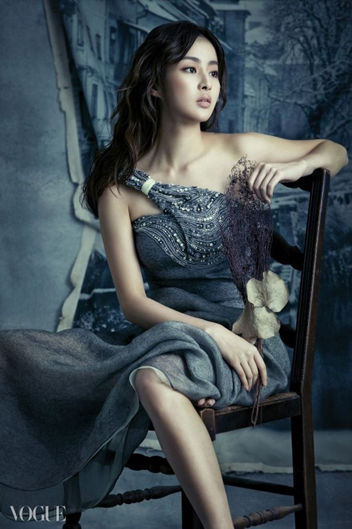 Kang So Ra Goes For Dark Glam For Vogue Korea's December 2014 Issue | Couch Kimchi