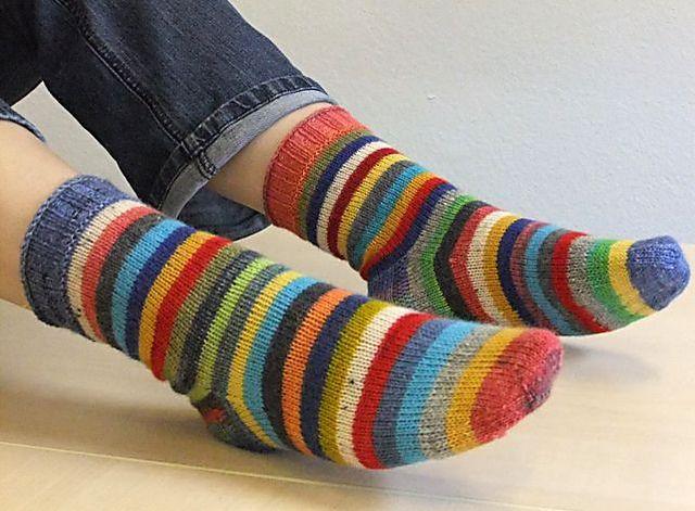 Five round scrap socks. (Ravelry: augenstern's 5er rhythmus)
