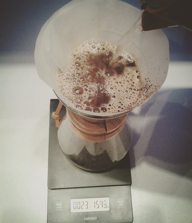 #chemex #alternativecoffee #brewing #methods #coffee #coffeearoma #cup #coffeecup #coffeecupguru #coffeecupguruapp