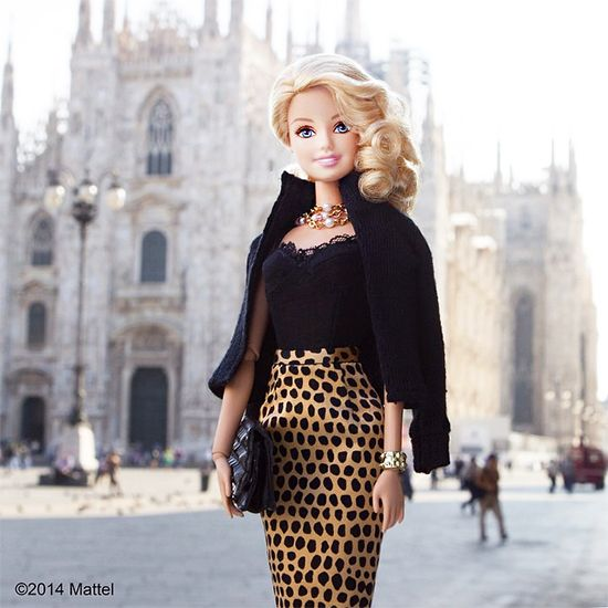 Barbie ha aperto un account su Instagram, si scatta selfie e va alla fashion week