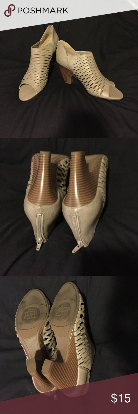 Cage shoes Dana Buchman Meeka Toupe shoes.  Slightly used. Not able to wear heals anymore unfortunately. Size 10M. Dana Buchman Shoes Heels