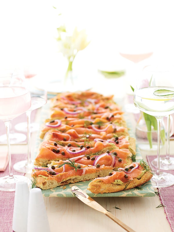 Smoked Salmon Flatbread, a delicious low-calorie treat!