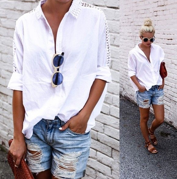 Look chemise blanche et short en jean déchiré