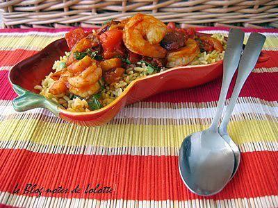 La meilleure recette de Ragoût de crevettes et chorizo et leur riz à la mexicaine! L'essayer, c'est l'adopter! 4.2/5 (5 votes), 5 Commentaires. Ingrédients: Pour les crevettes, 2 cs d'huile d'olive, 150 g de chorizo en fines tranches, 250 g de crevettes crues décortiquées, 2 cc de paprika, 1 poivron jaune, ½ boîte de tomates en dés, ½ boîte de coulis de tomates, 1 piment chipotle en sauce adobo, hâché (ou 1 cc de piment de cayenne), 1 cs de persil hâché, 1/4 tasse de tequila, sel, 1 cs de…