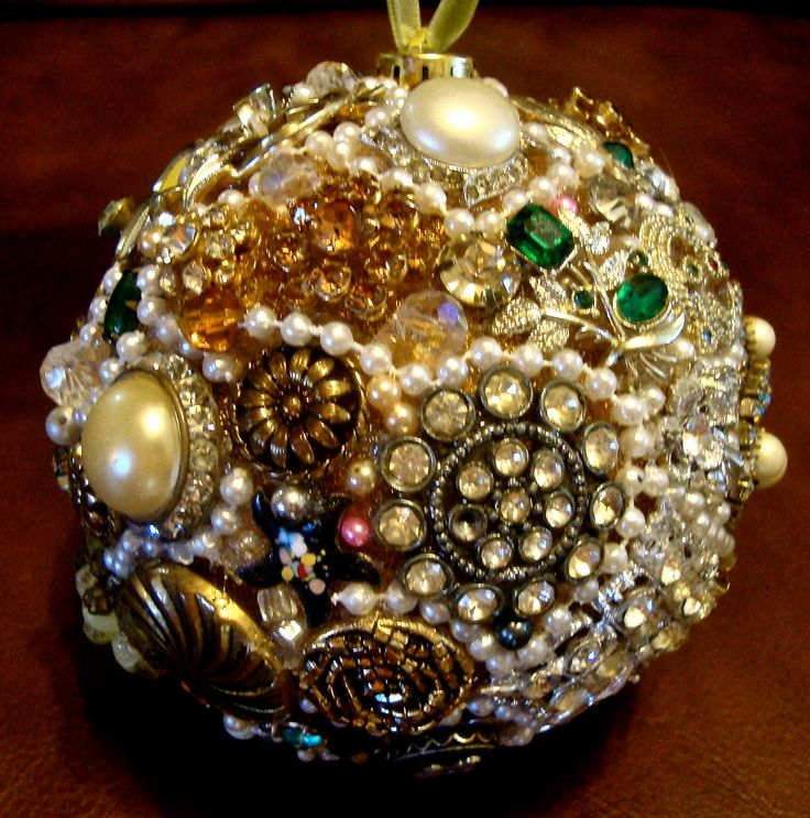 Best 25+ Old Jewelry Crafts Ideas On Pinterest