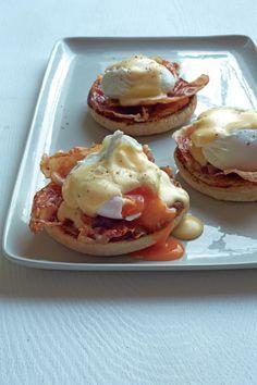 Œufs Bénédicte et jambon de Parme croustillant : http://www.glamourparis.com/vie-perso/vite-une-recette/diaporama/recettes-un-brunch-avec-gordon-ramsay/21978#!oeufs-benedicte-et-jambon-de-parme-croustillant