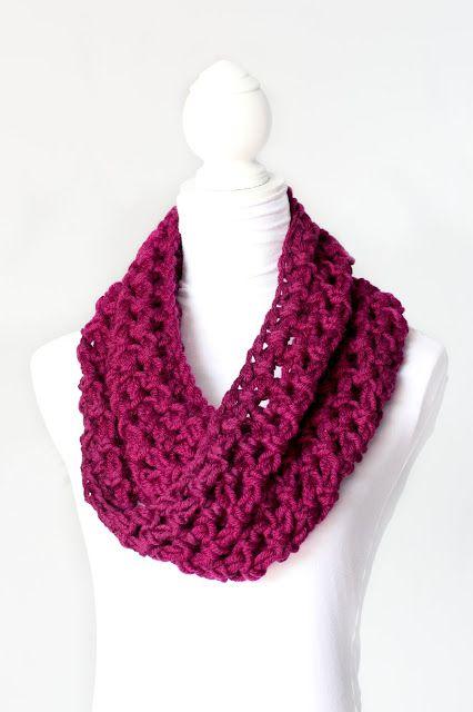 Basic Chunky Cowl - FREE - Crochet Pattern via Hopeful Honey