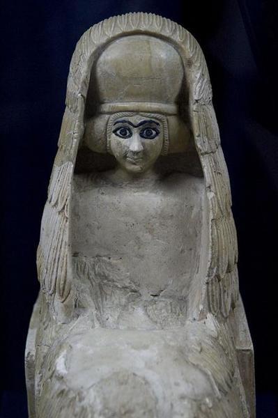 Sumerian statue of a vestal virgin. Sumerian city-state Mary / Mari ca. 2500 BC National Museum, Damascus