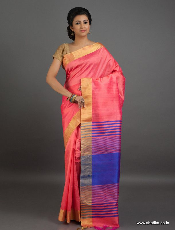 Decked out in blushing #pink with a ravishing blue in pallu, the shimmering shine of Revati #BhagalpuriSilk is a trademark of #BhagalpuriSilkSarees.