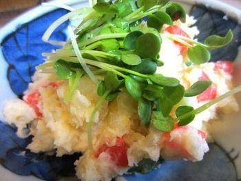 """画像は、東京渋谷の歓楽街""""百軒店(ひゃっけんだな)""""にある焼き鳥屋「鳥升」の大人気メニューのポテトサラダ。ポテトサラダは、居酒屋でも大人気メニューですね。"""