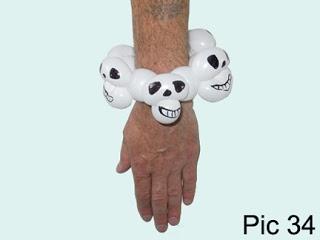 balloon o therapy twisting balloons with fewdoit skull bracelet balloon design halloween idea - Halloween Balloon Animals