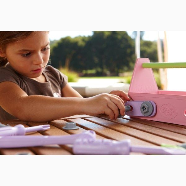 Shopping for Eco friendly educational toys? We love this pink Green Toys Tool set for little builders.Just one of many fab gifts at Citrus Lane.You'd never know it used to be milk cartons!  (sponsored)