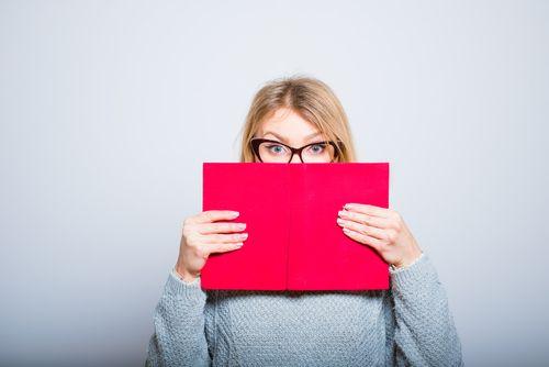 Introvertierte Bewerber tun sich in schriftlichen Bewerbungen leichter. Die eigentliche Prüfung stellt das Bewerbungsgespräch dar. So gelingt es...  http://karrierebibel.de/bewerbungsgespraech-introvertierte/
