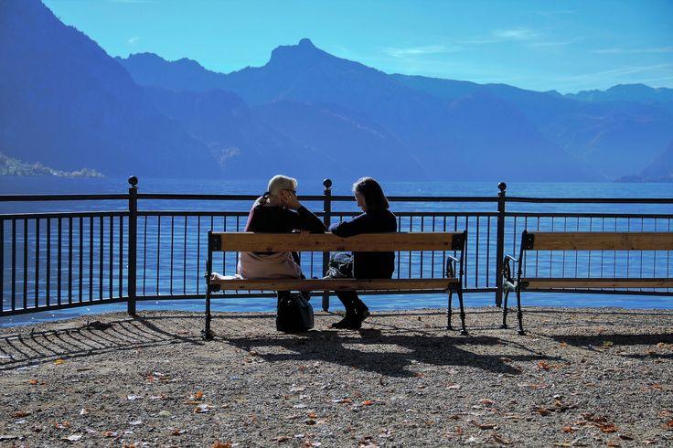 Ins Grüne spazieren und auf die Parkbank setzen: messbar stressmildernd sogar ohne viel Bewegung – DeutschesGesundheitsPortal