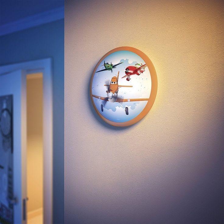 Dusty, l'avion vedette du dessin animé Planes s'invite dans la chambre de votre enfant. Cette applique Planes aux couleurs oranges, accompagnera votre bambin durant ses nuits.