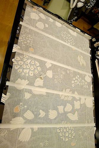 Different way to do easy roman shades! Cannot WAIT to do this over Christmas break...it will be my first pinterest project :)