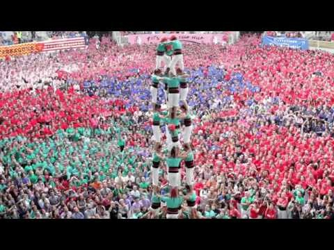 Human Pyramid Competition in Spain (Video)