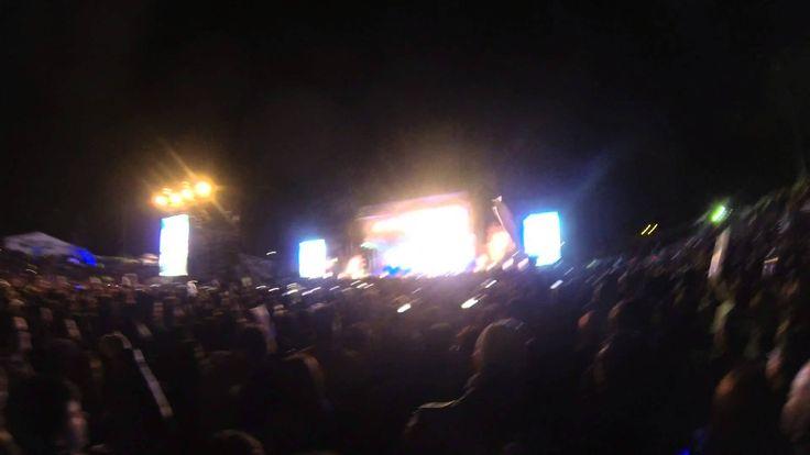 Carlos Vives ft Choquibtown - El Mar de Sus Ojos Bogota, Colombia, Septi...