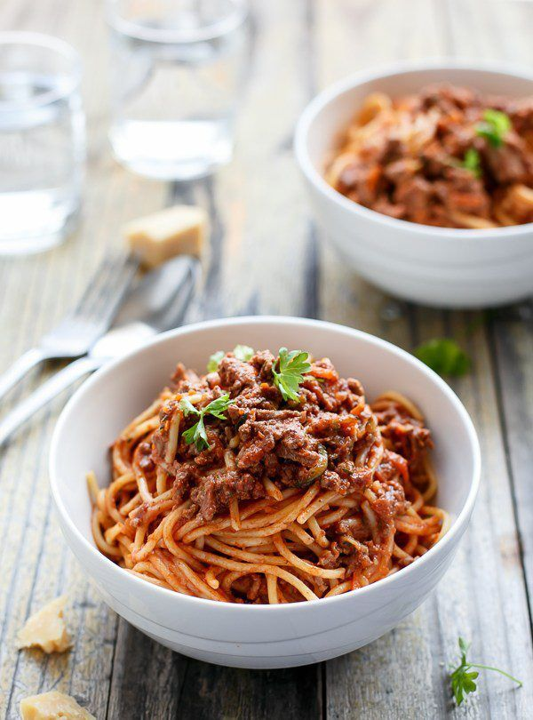 SPAGHETTI BOLOGNESE http://recipes-only.com/spaghetti-bolognese-2/