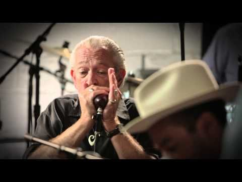 Ben Harper, Charlie Musselwhite performing I'm In I'm Out And I'm Gone. (C) 2013 Ben Harper.