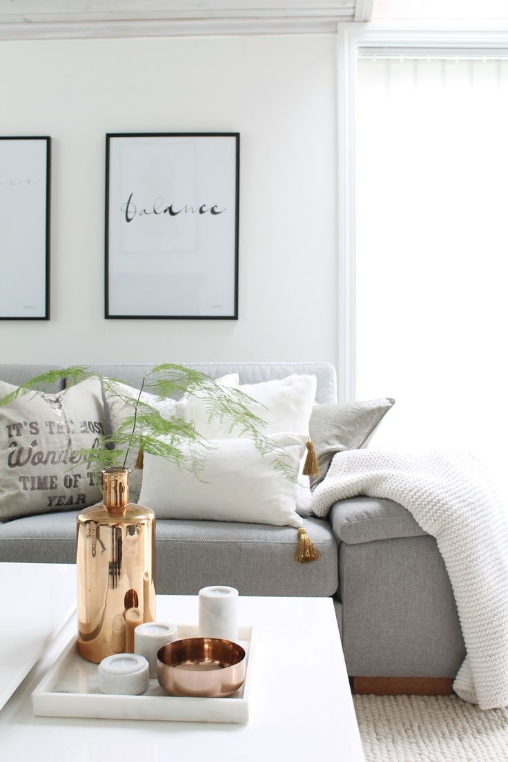 ❤️grey,white and copper - bank sofa wood interior interiorinspiration hall pastel wooninspiratie interieur interieurinspiratie styling interieurstyling: