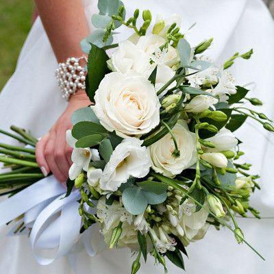 White Roses, Lisianthus Agapanthus hand tied bouquet #weddingbouquet #bouquet