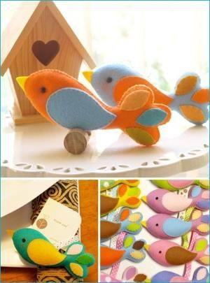 sweet felt bird by bettye