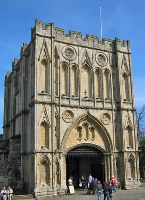 Gate to main entrance of Abbey Gardens, Bury St. Edmunds, England