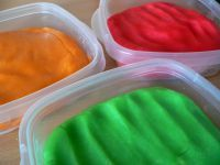 domácí vařená plastelína/modelína/play dough - funguje :)