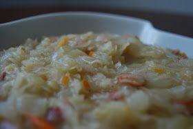 Kiszona kapusta zasmażana... Pyszny dodatek do tradycyjnego kotleta schabowego. Smakowite danie główne w duecie z ziemniakami. Lekko kwaś...