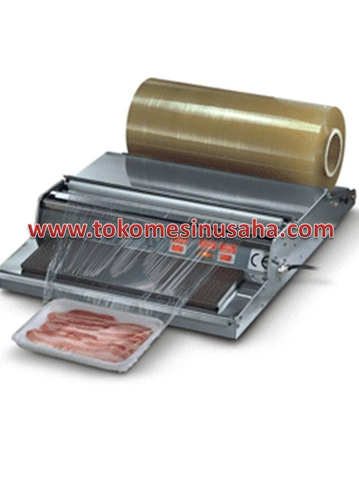 Mesin Hand Wrapping adalah mesin untuk mengemas/ packing wrapping buah ataupun sayur kedalam plastik. Mesin ini sangat cocok untuk mengemas buah dan sayur di supermarket, ataupun mengemas makanan siap saji lainnya dan  barang  lainnya. Spesifikasi :      Power Supply                 : 220 V / 60 Hz     Heat Cut Length            : 45 mm     Heat Shringking Plate    : 385 x 123 mm     Machine Weight             : 6, 5 kg