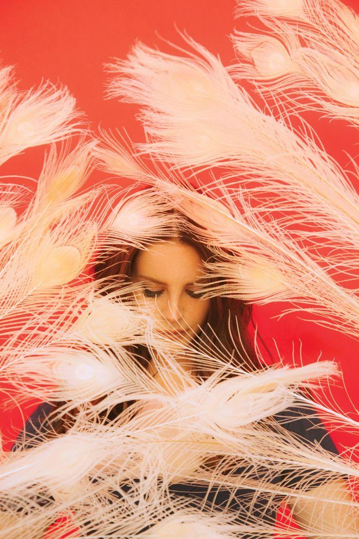 Lana Del Rey feathers