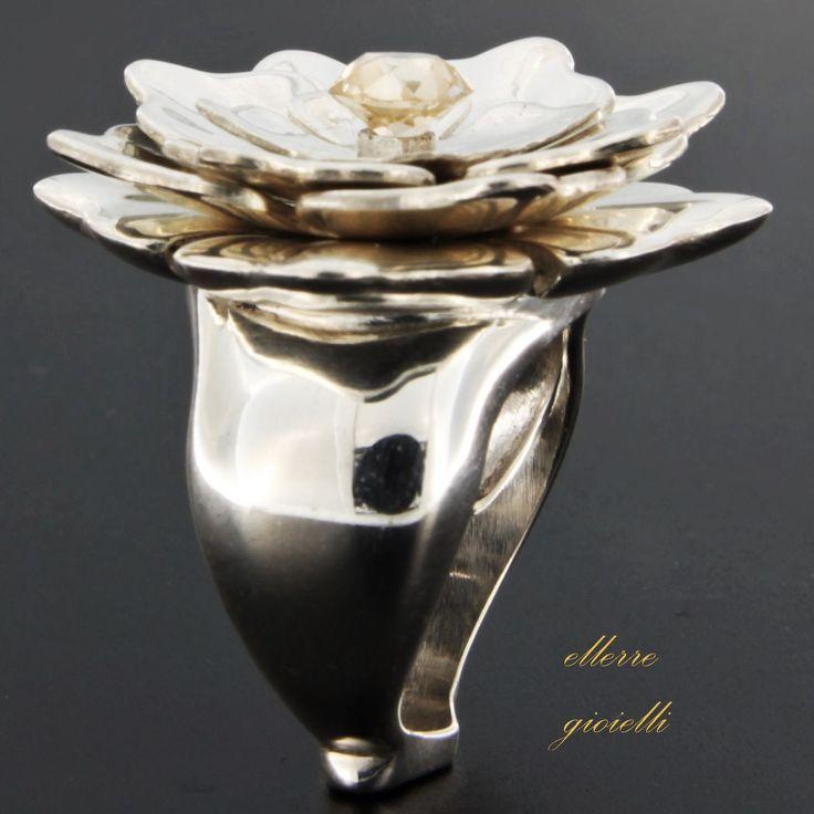 silver prototype floreal ring. Follow his story. Prototipo in argento di Anello Floreale con diamante taglio antico. #workinprogress #silverprototype #florealring #flowerpower #ellerre #jewelry #jewelscreation #diamonds #diamanti #diamonds