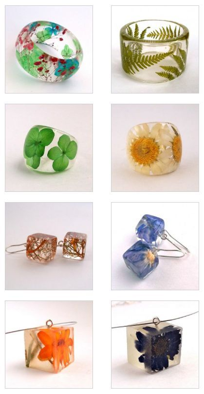 Handmade jewelry with resin and flowers.