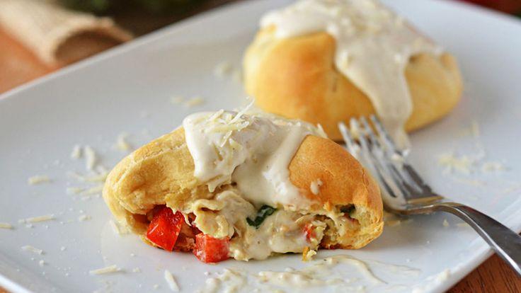 Creamy Garlic-Chicken Bundles