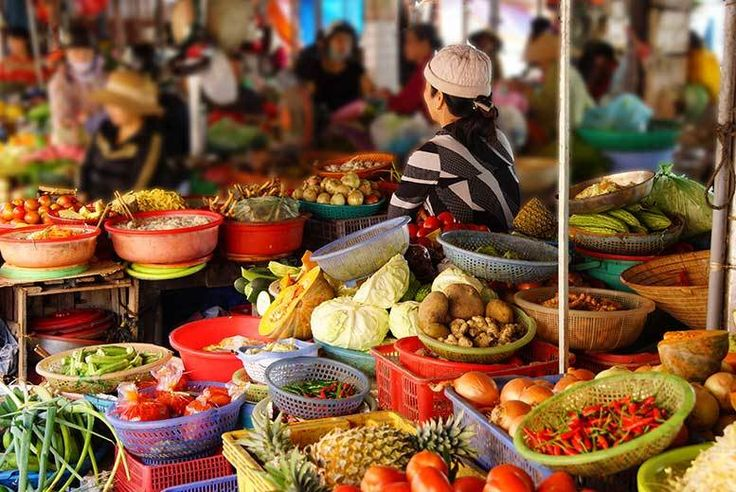 Discount 3*, 4* or 5* 10-Day Vietnam Culinary Tour & Beach Break for just £429.00 Enjoy an exciting 10-day tour of Vietnam, exploring both the country's culinary culture and beautiful beaches.  Travel with an expert English speaking tour guide through Ho Chi Minh City, Cham Island, Hoi An and more, enjoying cooking classes and balmy bays.  Stay in a beautiful range of 3*, 4* and 5* hotels...