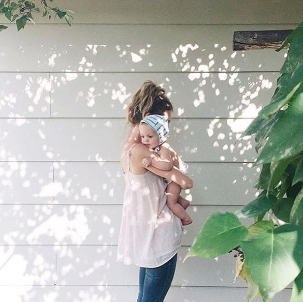 Spend the morning squeezing your faves, the beautiful @livinglifesmoments & the weekend dream in our cami #HATCHtagged