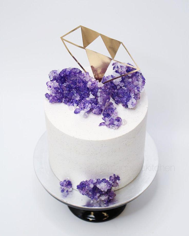 quartz wedding cake by Auckland baker Magnolia Kitchen @magnoliakitchen