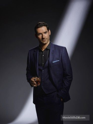 Lucifer - Promo shot of Tom Ellis