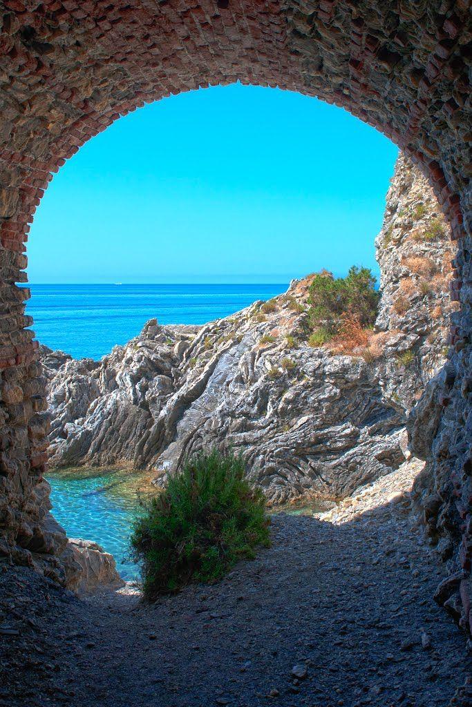 La scogliera di Ascea #cilento #italy Salerno Campania