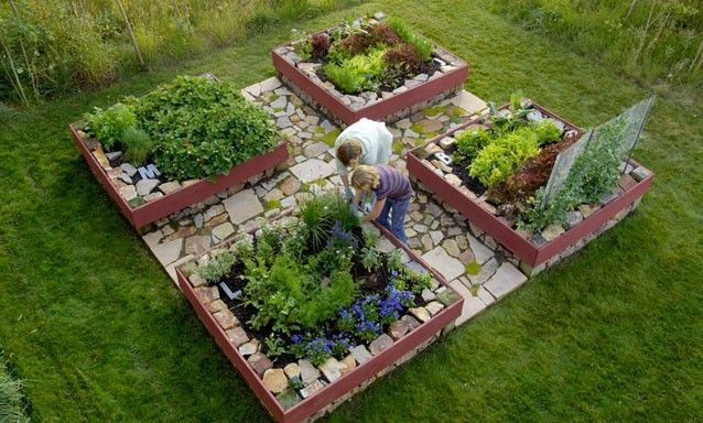 4' square gardening...brilliant! An arm's length to the center from all sides; an old Master Gardener trick. My friend has a rockstar garden going on in her backyard, all done in these types of boxes.... Need to get on this in the new house.