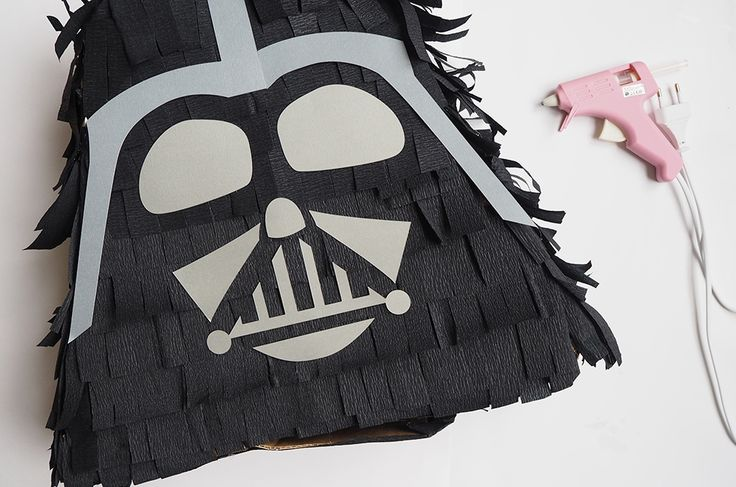DIY Piñata - Darth Vader (Star  Wars)