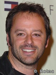 Gil Bellows as Billy Thomas