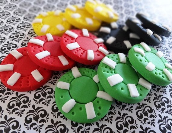 Edible fondant toppers for decorating cupcakes or/and cake This listing is for: - 12 poker chips, Size approximately: 1.5 I am happy to change