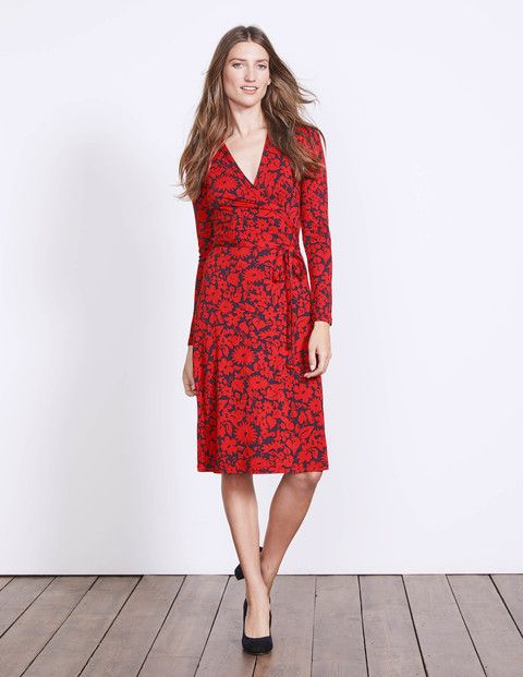 All hail the wrap dress. It fits like a dream, flatters like no other and is oh SO easy to wear thanks to that soft, stretch jersey. It's no wonder this is an all-time Boden favourite.