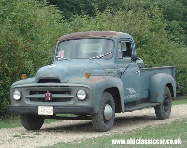Classic International Pickup truck: Having a slow run around the perimeter track at Goodwood (2006) was this super-original International pickup dating I'd guess to the mid/late 1950s.