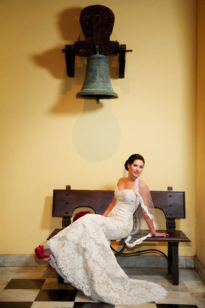 Die echte Braut Carissa im Alvina Valenta Style 9102 ist mit rotem Accessoire versehen   – JLM Couture Real Brides