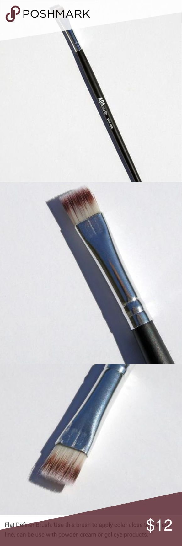 Flat Defined Brush NWT and prepackaged. Hi-def Brush. Perfect for getting close to the lash line. Please refer to the last photo for more description. E115 Makeup Brushes & Tools