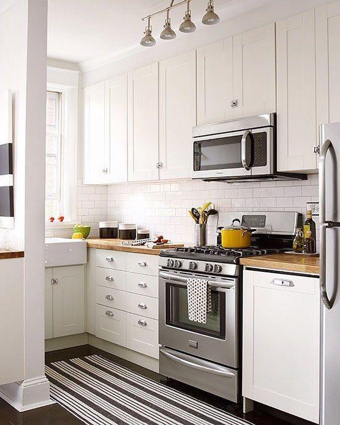 L\'immagine può contenere: cucina e spazio al chiuso   Cucina nel ...