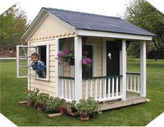 Best 25 simple playhouse ideas on pinterest outdoor for Building a wendy house from pallets